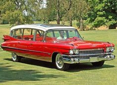 """Cadillac """"Broadmoor Skyview"""" 1959 https://www.facebook.com/Clube-do-Carro-Antigo-do-Brasil-2…/ Construído pela """"Superior Coach of Lima"""" de Ohio/ EUA sobre um Chassi original de um Cadillac. Foram produzidas 06 unidades sob encomenda de uma rede de Hotéis em Colorado Springs.  [ fonte: conceptcarz. com ]"""