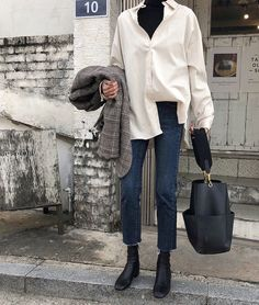 winter outfits layered Death by elocution - winteroutfits Winter Mode Outfits, Winter Fashion Outfits, Chic Outfits, Winter Outfits, Autumn Fashion, Rock Outfits, Blazer Outfits, Christmas Fashion, Girly Outfits