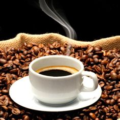 Coffee and breakfast – a great combination to kick start your day! | Women's Wellness | Nestlé Family ME