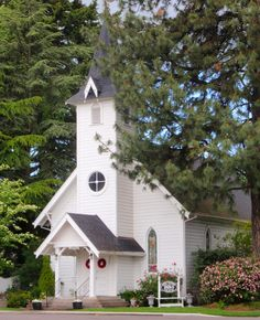 This is directly across the street from our friends property. Pioneer wedding Chapel, Canby Oregon, I love old wooden churches like this. Old Country Churches, Old Churches, Canby Oregon, Portland, Church Pictures, Take Me To Church, Cathedral Church, Church Building, Church Architecture