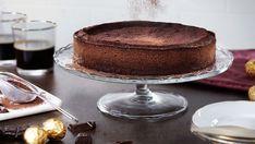 Co si nejlépe dopřát během chladného rána ke kávě? Nás napadá čokoládový dort! Tiramisu, Food And Drink, Ethnic Recipes, Tiramisu Cake
