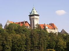 The Smolenice Castle (Slovak: Smolenický zámok) is a castle in the eastern slope of the Little Carpathians, near the town of Smolenice, Slovakia. European Countries, Czech Republic, Seattle Skyline, Hungary, Barcelona Cathedral, Big Ben, Environment, Mansions, House Styles