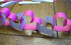 I know it is a month away but I'm already thinking about Valentines Day. I love this heart garland. Such a clever idea for Valentine's Day party decorations. Valentine Day Crafts, Be My Valentine, Holiday Crafts, Holiday Fun, Holiday Parties, Holiday Ideas, Kids Crafts, Toddler Crafts, Paper Party Decorations