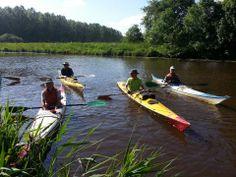 Noord-Nederland verkennen per kano. Provincie Groningen heeft 750 km vaarwater, waar de Westerwoldse Aa onderdeel van is.