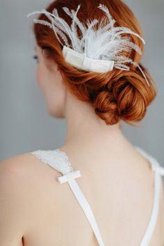 Puristische Romantik im Haar: Die neuen Headpieces von BelleJulie BIRGIT HART  http://www.hochzeitswahn.de/inspirationsideen/puristische-romantik-im-haar-die-neuen-headpieces-von-bellejulie/ #bride #hair #hairstyle
