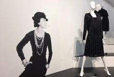 Chanel-Ausstellung im @Gemeentemuseum Den Haag Chanel, Peplum, Formal Dresses, Women, Style, Fashion, Pictures, Bags Sewing, Culture