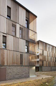 Résidence Lucien Rose : 81 logements sociaux et bibliothèque à Rennes (35)      © Crédit photo : Luc Boegly      Rennes (35238)     2005-2009      Maître d'ouvrage :     Archipel Habitat      Architecte(s) :     Atelier du Pont