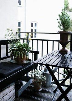 décoration sobre de balcon scandinave