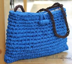 Diy Crochet Bag, Crochet Clutch, Crochet Purses, Knit Crochet, Crochet Hats, Fabric Yarn, T Shirt Yarn, Knitted Bags, Blue Bags