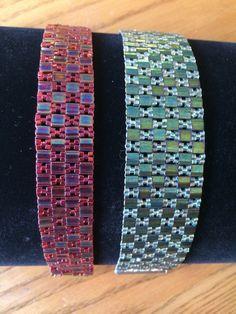 tila bracelets with cube beads in X pattern instead of just straight Beaded Braclets, Beaded Bracelet Patterns, Seed Bead Bracelets, Seed Beads, Loom Patterns, Beading Patterns, Bead Jewellery, Beaded Jewelry, Bracelets
