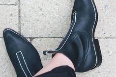 #pzdvintage Mikhail Black Leather Ankle Boots with hardware details #pzdvintage Best Trends for Life Blog #handmadeboots #fashionista #blackankleboots #ankleboots #boho #bohostyle