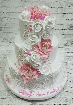 I loved working on this cake -from the cream ruffles on the base tier ,pink peonies,cream roses ,blossoms and buds to make it come alive .Ruffles always have something romatic about them and wven though it is different from fondant ruffles in look. Fondant Ruffles, Ruffle Cake, Mini Tortillas, Fall Wedding Cakes, Wedding Cupcakes, Candy Cakes, Cupcake Cakes, Beautiful Cakes, Amazing Cakes