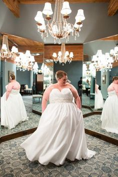 plus size bride, curvy bride Plus Size Brides, Plus Size Wedding Gowns, Plus Size Gowns, Fat Bride, Curvy Bride, Dream Dress, Elegant Wedding, Chic Wedding, Bridal Dresses