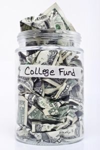 How To Get Scholarship Offers As A Freshman, Scholarships & Aid for International Students, and College Affordability Issues