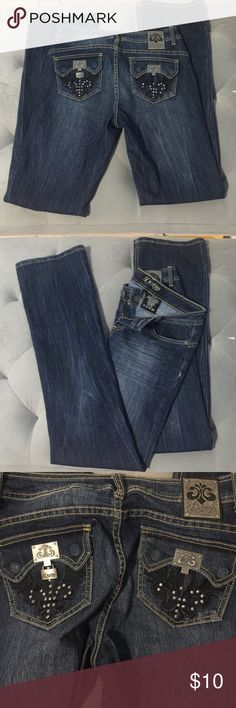 Derion Jeans Derion jeans. Missing the lock on the right pocket. Shown in pictures. Size 7/8 Dereon Jeans