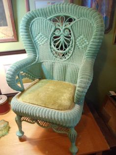 A good DIY Project for old Wicker Chairs of this nature