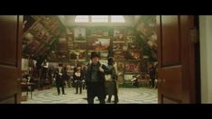 MR. TURNER - OFFICIAL TRAILER [HD] from YouTube via http://willkempartschool.com/category/painting/