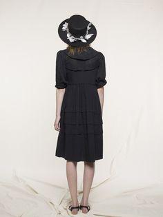 honey-kennedy-loup-charmant-scalloped-dress-01
