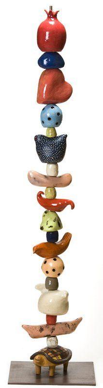 טוטם 1.80, תיק עבודות עיצוב קרמי, עיצוב קרמיקה הילה אלקלעי. תיקי עבודות אומנים ישראלים - אומנות ישראלית