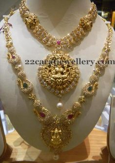Latest Collection of best Indian Jewellery Designs. South Indian Jewellery, Indian Wedding Jewelry, Indian Bridal, Indian Jewelry, Bridal Jewelry, Gold Jewelry, Jewelry Accessories, Gold Necklace, 22 Carat Gold