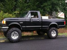 90 F150 looking at this nice FORD brings back a lot of memories.....