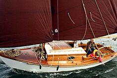 Classic sailboat / with cabin Winter Wren II Devlin
