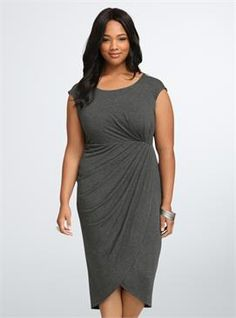 d4e06377a2fc Plus Size Shirred Tulip Midi Dress Vestiti Di Dimensioni Particolari