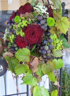 centre de table caisse vin pieds de vigne rouge cl forale cl florale fleuriste mariage. Black Bedroom Furniture Sets. Home Design Ideas