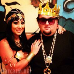 """Chumlee recently spoke about his """"Woman Crush Wednesday"""" subject and explained why he got her a boob job. Pawn Stars, American Pickers, Sin City, Online Gratis, Woman Crush, Girlfriends, Captain Hat, Tv Shows, Hero"""