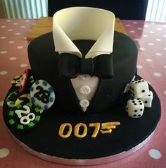 James Bond cake Bolo James Bond, James Bond Cake, James Bond Party, Cupcakes, Cupcake Cakes, Groomsman Cake, Fathers Day Cake, Minnie Mouse, Salty Cake