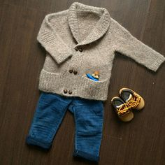 Ravelry: Storytime Scholar pattern by Lisa Chemery Baby Cardigan Knitting Pattern, Baby Boy Knitting, Knitting Help, Knitted Baby Cardigan, Toddler Sweater, Cable Knitting, Knitting For Kids, Baby Knitting Patterns, Crochet For Kids
