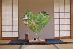 旅行先として大人気の京都。たくさんの定番スポットが思い浮かぶと思いますが、実はそれだけではありません。たくさんの可愛くておしゃれなスポットがあるんです。女子旅におすすめな京都のフォトジェニックな観光・グルメスポットをご紹介します。 (※掲載されている情報は2018年1月に公開されたものです。必ず事前にお調べください。)