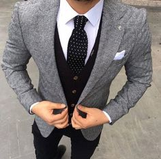 men suits casual -- CLICK Visit link for Mens Fashion Suits, Mens Suits, Fashion Menswear, Fashion Mode, Fashion Outfits, Style Fashion, Fashion News, Casual Outfits, Dress Outfits