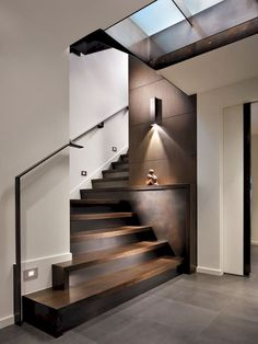 I love this unique modern staircase - very sku .- Ich liebe dieses einzigartige moderne Treppenhaus – sehr skulptural I love this unique modern staircase – very sculptural. Home Design, Modern House Design, Home Interior Design, Interior Architecture, Design Ideas, Staircase Design Modern, Exterior Design, Houses Architecture, Interior Colors