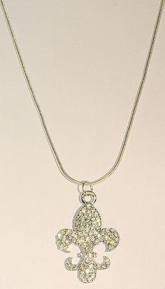 "510664 Silver Large Fleur de Lis 18"" Snake Chain"