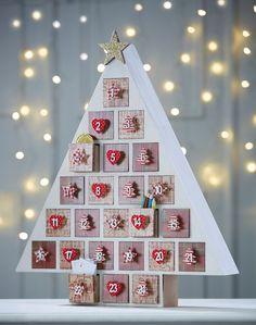 How to Make a  Christmas Tree Advent Calendar #Christmas #Advent