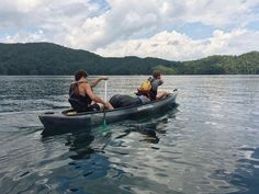 What's your favorite way to spend a day on the lake?  Photo by Great Outdoor Adventure Trips at Lake Jocassee // yeahTHATgreenville