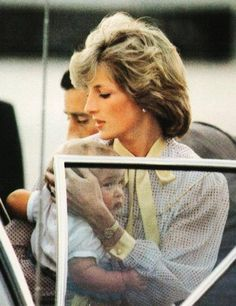 Princess Diana and Will - In that pose of Prince William, he sure looks like Prince George.