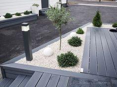 Piatra decorativa, un material ieftin ideal pentru amen Backyard Garden Design, Small Garden Design, Terrace Garden, Patio Design, Backyard Patio, Small Backyard Decks, Patio Planters, Back Gardens, Small Gardens
