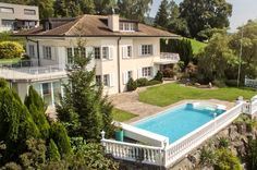 Villa mit Schwimmbad an Südhanglage mit sehr guter Privatsphäre und…