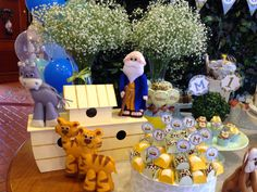 Studio Decor Eventos: BATIZADO COM 1º ANIVERSÁRIO - TEMA ARCA DE NOÉ Decor Eventos, Noahs Ark Party, Diaper Parties, 3rd Birthday Parties, Animal Party, Baby Shower Cakes, Party Planning, Safari, Buffet