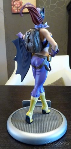 [DC Collectibles] Batgirl DC Bombshells Statue Review