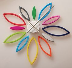 Do-It-Yourself Flower Wall Clock available through the Art Institute of Chicago - so cute, but unfortunately, no longer available! Cute Clock, Cool Clocks, Diy Clock, Clock Ideas, Toilet Paper Roll Art, Rolled Paper Art, Wall Clock Project, Quilling, Diy Design