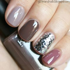 This fabulous fall manicure is the handy work of Glitter and Nails, and has a FULL tutorial to follow! Click here for the Glitter and Nails Tutorial