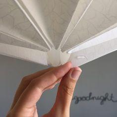 DIY #26 – Une lampe origami | Pierre Papier Ciseaux Origami Lampshade, Paper Lampshade, Suspension Diy Luminaire, Origami And Kirigami, Paper Crafts, Diy Crafts, Lamp Shades, Diy For Kids, Cricut