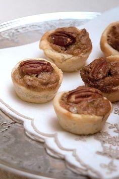 Pecan Tassies from @NevrEnoughThyme http://www.lanascooking.com/2014/11/25/pecan-tassies/ #desserts #cookies #vintage