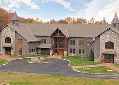 Phenomenal barn! What I wouldn't give to have something like this...it'll happen...someday...