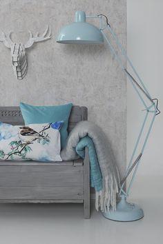 #kremmerhuset #hjem #husoghjem #fådetfint #vakkert #stilrent #interiør #inspirasjon #hjemmedekor #style #stylist #stilleben #nordisk #inspiration #home #homedecor #mood #mint #lamp #patterns #mønster #location #homestyle #deer #big #xxl #trebenk #lampe #industrielt #ullpledd #nordic #puter #putetrekk