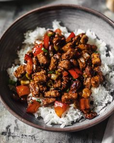 Stir-fried tempeh in a spicy and tangy sauce, with toasted peanuts, garlic, ginger, blistered dried chiles and numbing Sichuan peppercorns. A vegan take on the classic Chinese dish. Asian Recipes, Beef Recipes, Vegetarian Recipes, Turkey Recipes, Stir Fry Ingredients, Chinese Cooking Wine, Vegetable Dishes, Veggie Food, Vegan Dinners