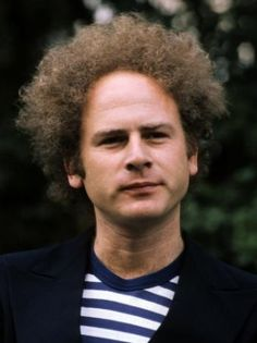 Art Garfunkel - did you ever wonder if Art Garfunkel is Jewish or not? Simon Garfunkel, Art Garfunkel, Paul Simon, Pop Rock Music, Steve Winwood, Pop Songs, New York, Folk Music, Country Singers